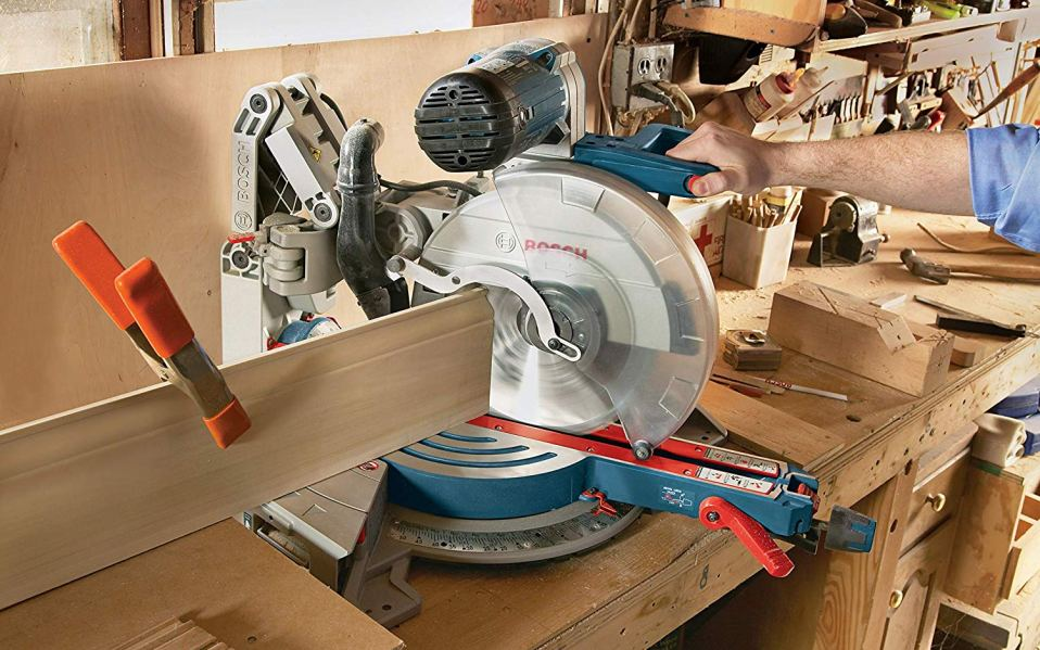 Top Factors to Consider While Choosing an Ideal Miter Saw
